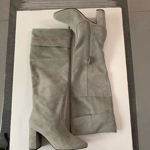 NWOB Cole Haan boots Gand size 8 B gray